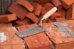 Самостоятельный ремонт стены из кирпича