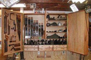 Как выбрать качественный инструментальный шкаф