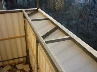 Установка выносной конструкции на балконе