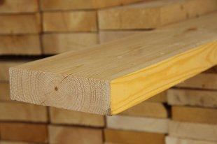 Строганная доска – популярный материал для строительных и отделочных работ