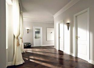 Белые двери в дизайне интерьера