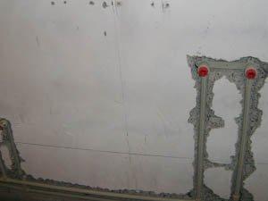 Аккуратное штробление стен под трубы и электрику